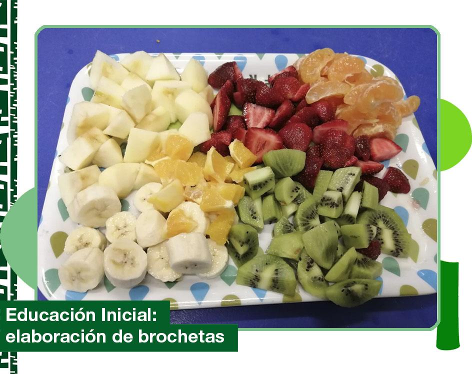 2019: elaboración de brochetas frutales.